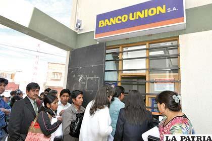 Utilidades de la banca caen en 20% con relación a 2012