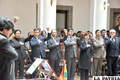 Al parecer Morales ratificará a todo su gabinete