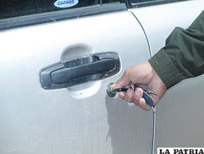 Su vehículo debe ser bien asegurado antes de alejarse del lugar donde lo estacionó