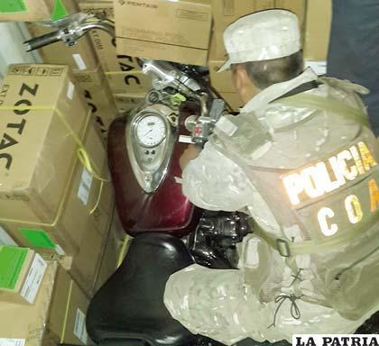 La motocicleta que sirvió como elemento para descubrir la carga de contrabando