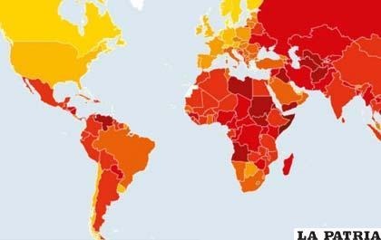 El mapa del Índice de Percepción de la Corrupción. Los países con tintes más rojizos son los que ocupan los últimos lugares, a lo contrario de los más amarillentos