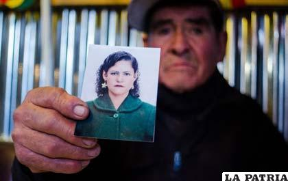 """""""Tecos"""" recuerda a su esposa, quién era la única testigo que observó las torturas cometidas contra él"""