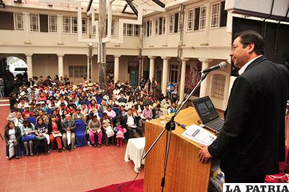 Luis Arce Catacora, ministro de Economía y Finanzas, explicó sobre crecimiento económico del país