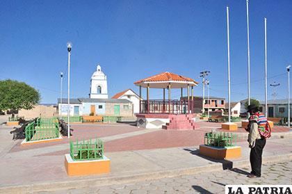 Plaza central de la comunidad de Untavi del municipio de Toledo