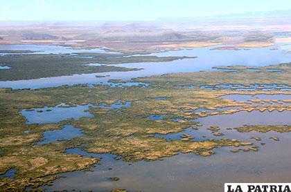 Lago Uru Uru también está en riesgo /Foto www.worldtravelserver.com