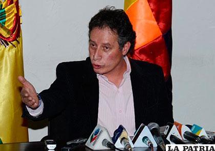 Ministro de Minería, César Navarro, tiene la palabra oficial sobre la licitación en el Mutún