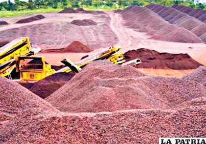 Un gran depósito de hierro en la zona oriental de Bolivia, podría empezar su producción desde la próxima gestión