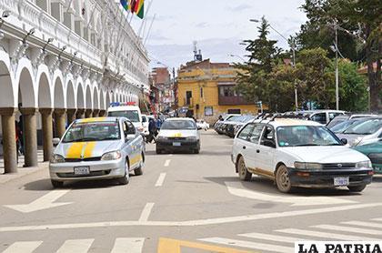 La ciudadanía molesta por el cobro excesivo en el servicio de taxis