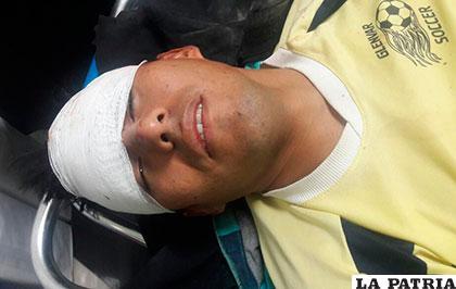 Motociclista fue llevado inconsciente al centro médico