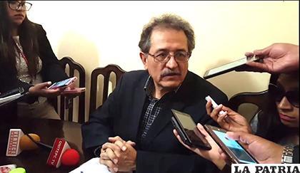 Bazán presentó cartas similares al Tribunal Electoral y al Concejo Municipal /RRSS-LA PATRIA
