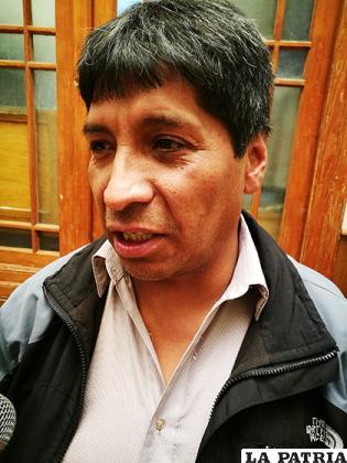 Pereira asegura que sigue en el cargo/LA PATRIA