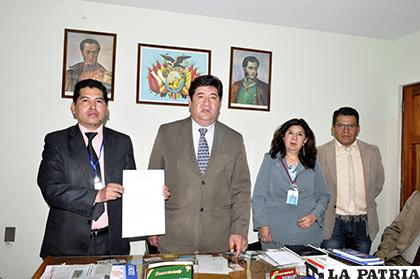 Representantes de las instituciones firmaron el acta de entendimiento /LA PATRIA