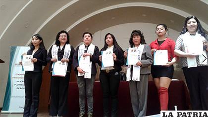 Defensores Voluntarios que concluyeron el programa del Defensor del Pueblo /LA PATRIA