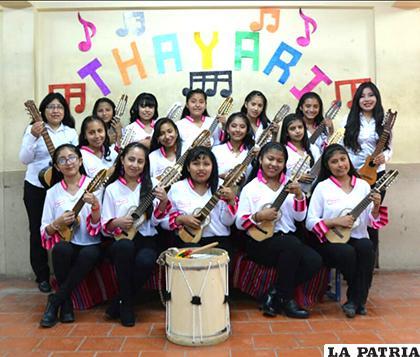 Orquesta de Charangos Thayari / L.MAGNE