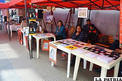 Artistas siempre se presentan los sábados en la Feria de las Artes / LA PATRIA