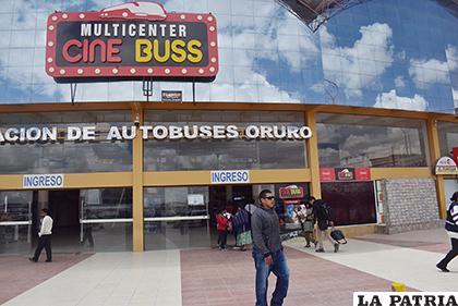 Cine Buss, ofrece estrenos todos los jueves /LA PATRIA