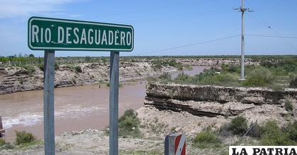 En el río Desaguadero ya no fluye el agua como en anteriores años  /ngenespanol.com