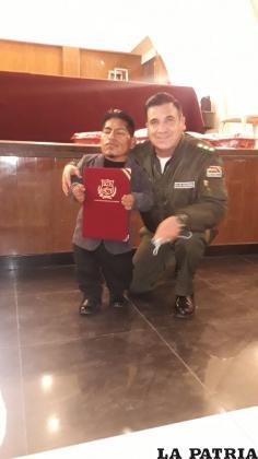 El coronel Vergara viene impulsando acciones de sensibilidad hacia las personas con discapacidad /LA PATRIA